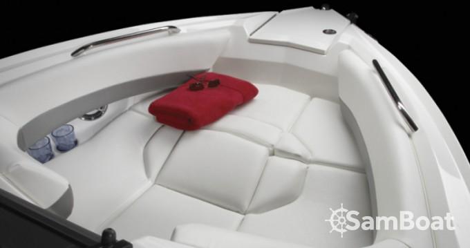 Rental Motorboat in Split - Larson 268 Lxi