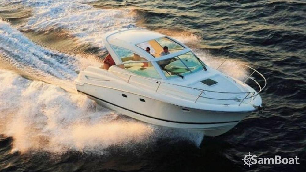 Rental Motorboat in Fort-de-France - Jeanneau Prestige 30 Sport Top
