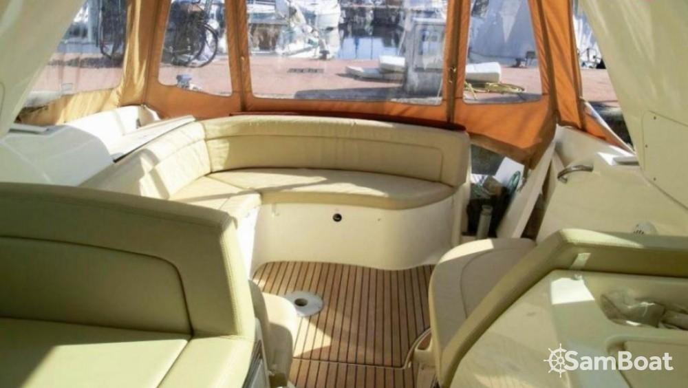 Motorboat for rent Fort-de-France at the best price
