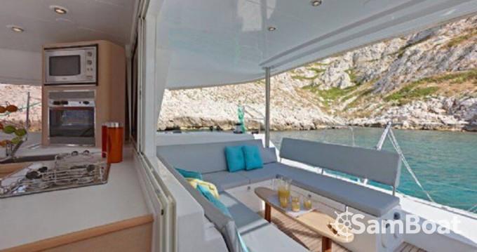 Boat rental Lagoon Lagoon 400 in Ibiza Town on Samboat