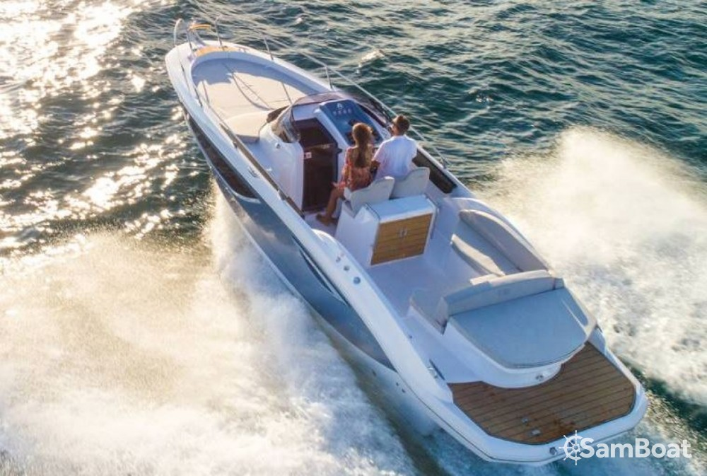 Sessa Marine Key Largo 27 Inboard between personal and professional Ibiza