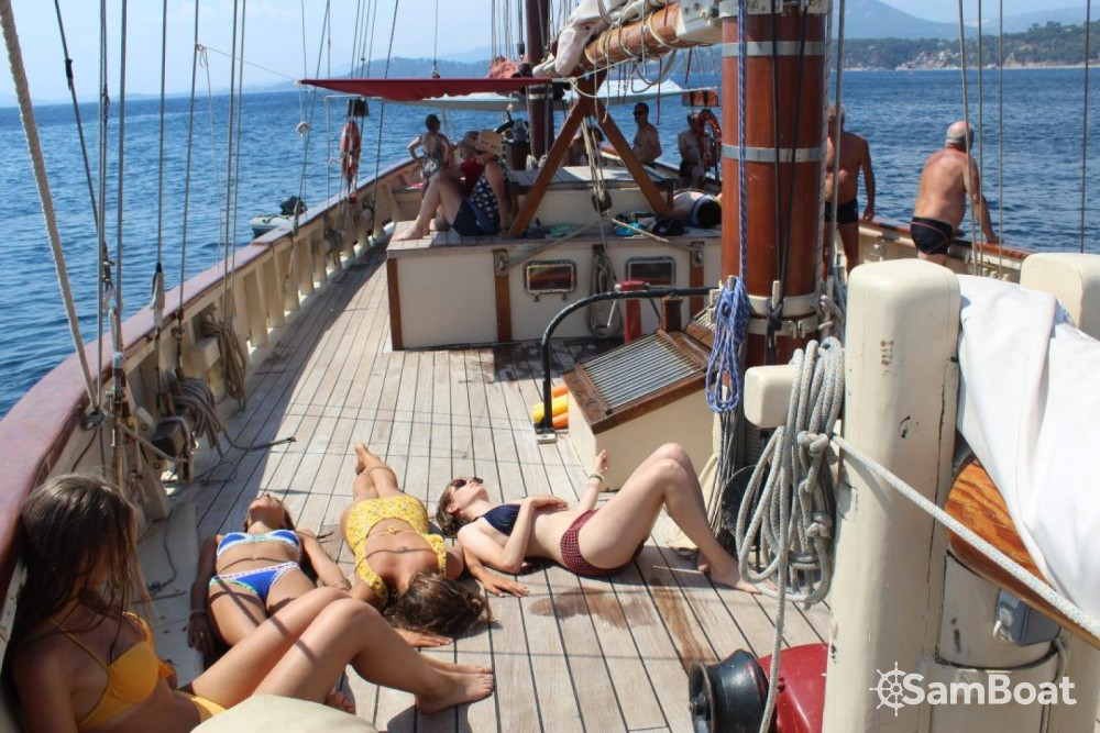 Boat rental Ketch aurique in Toulon on Samboat