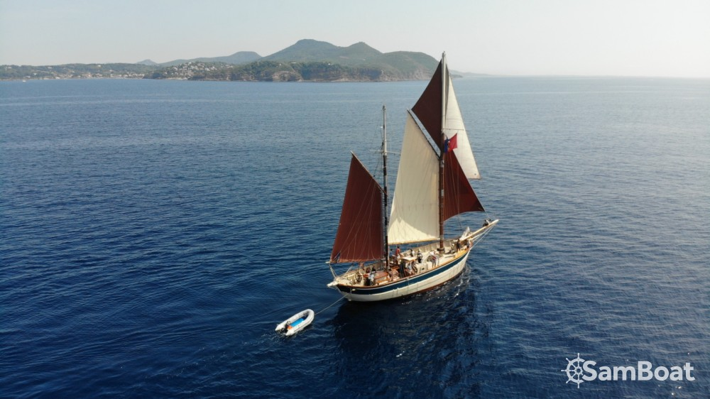 Hire Sailboat with or without skipper Ketch Toulon