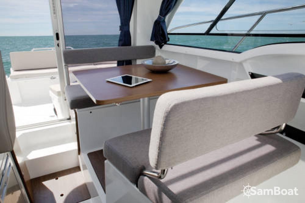 Rental Motorboat in Ajaccio - Bénéteau Antares 8