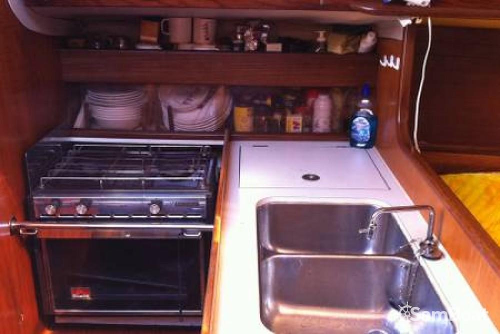Rental yacht Mandelieu-la-Napoule - Bénéteau First 305 on SamBoat