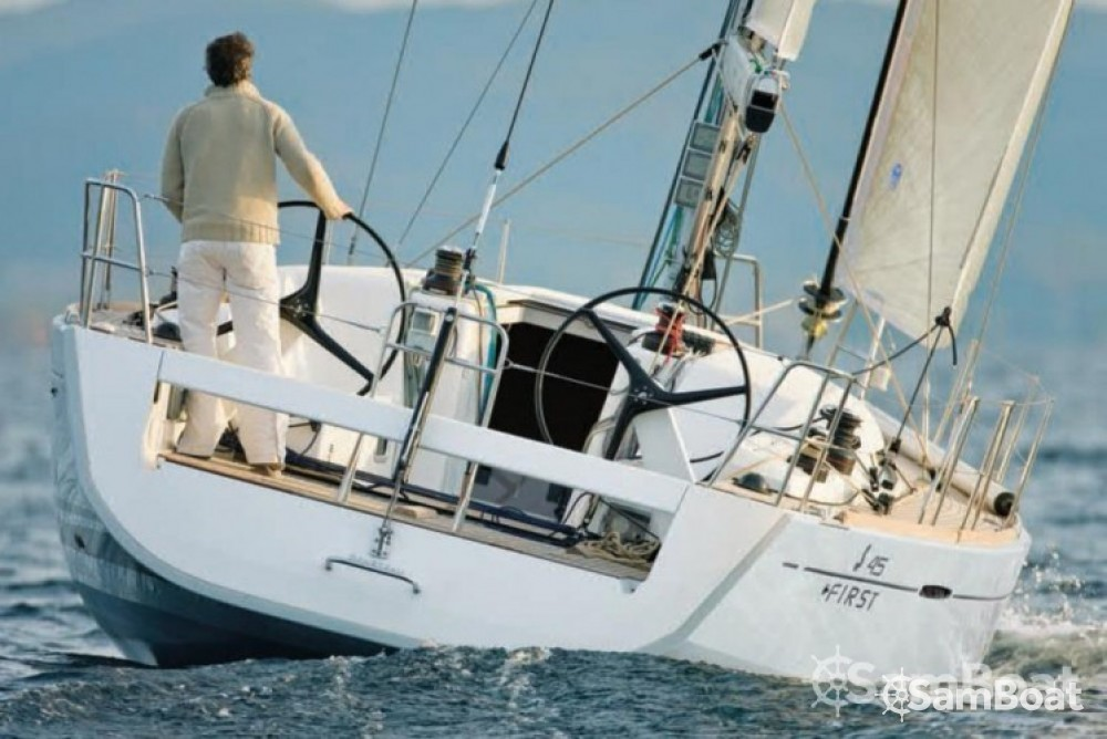 Rental Sailboat in Toulon - Bénéteau First 45