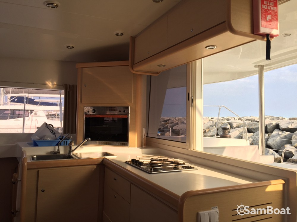 Hire Catamaran with or without skipper Lagoon Eivissa
