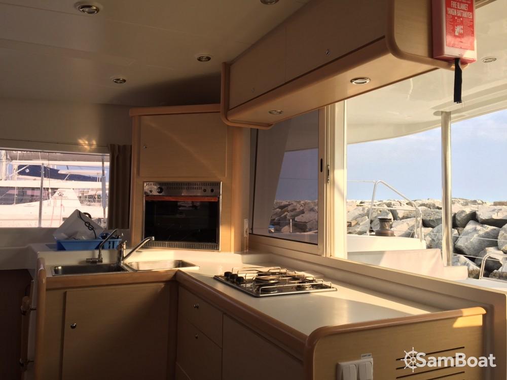 Rental Catamaran in Eivissa - Lagoon Lagoon 400