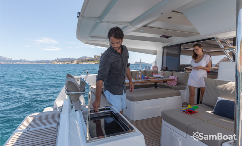 Hire Catamaran with or without skipper Fountaine Pajot Ibiza