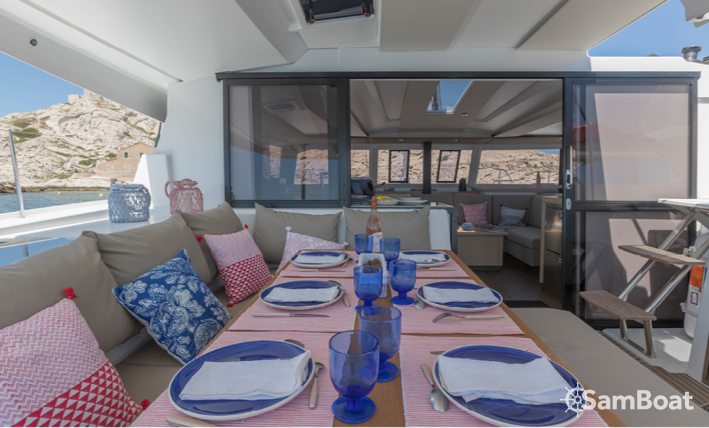 Rental Catamaran in Ibiza - Fountaine Pajot Astrea 42