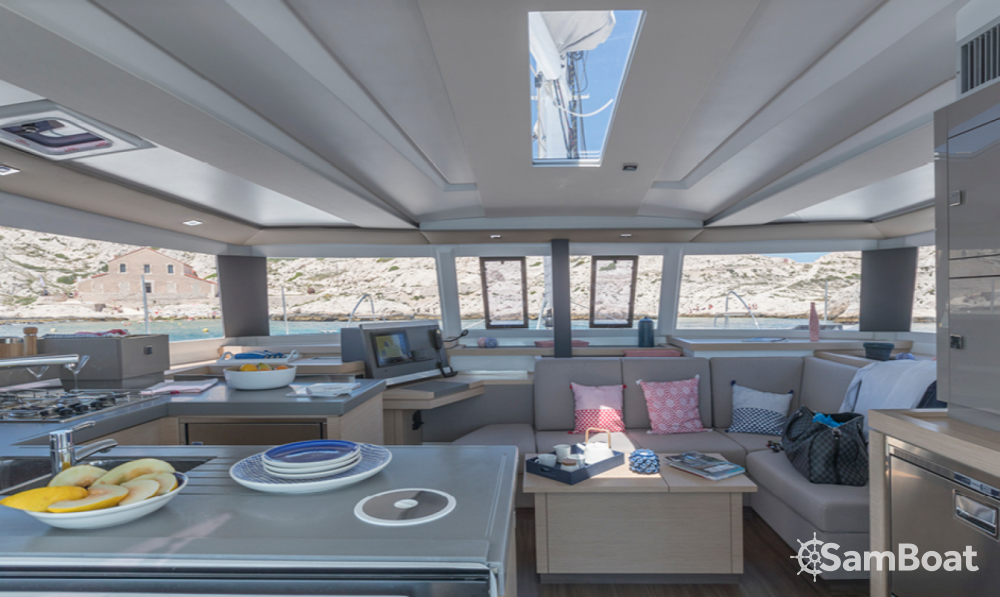 Boat rental Fountaine Pajot Astrea 42 in Ibiza on Samboat