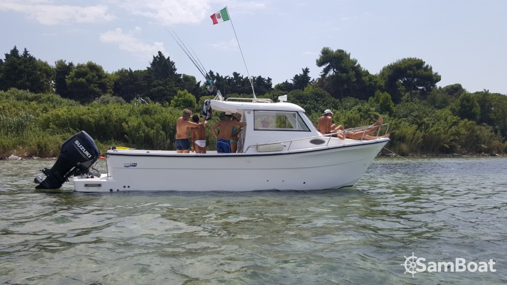 Rental Motorboat LIVER with a permit