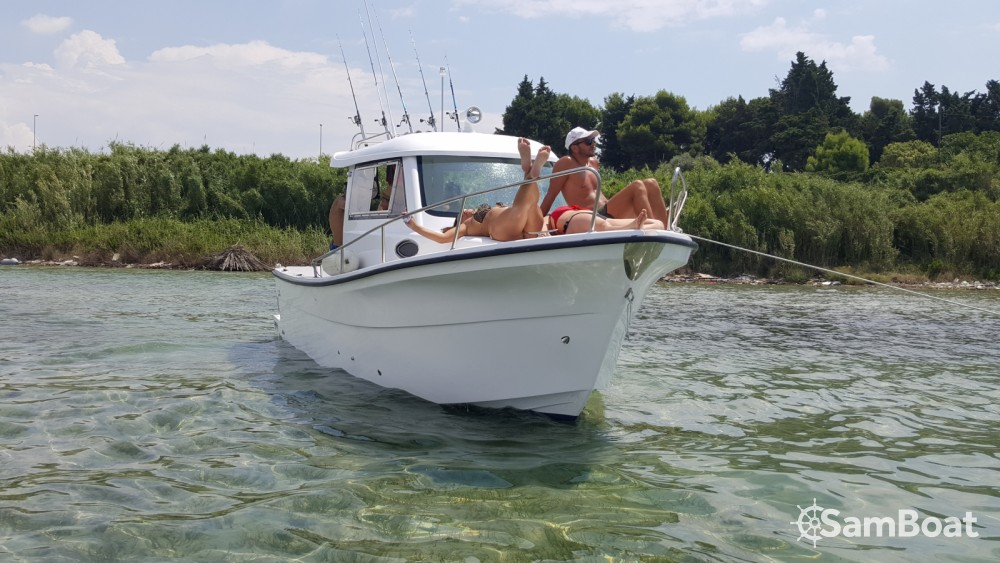 Hire Motorboat with or without skipper LIVER Taranto