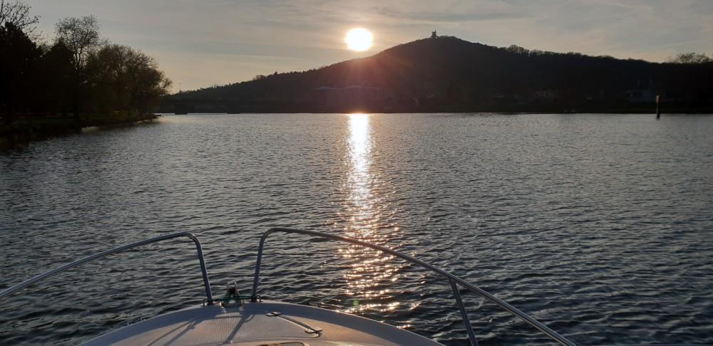 Rental Motorboat in Metz - Jeanneau Leader 605