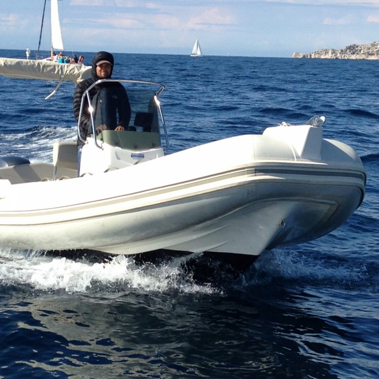 Rent a Capelli Tempest 600 Marseille