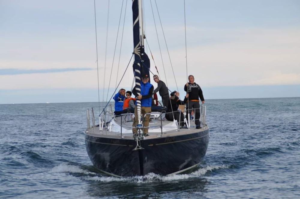 Rental yacht Santander - Dufour Dufour 42 Prestige on SamBoat
