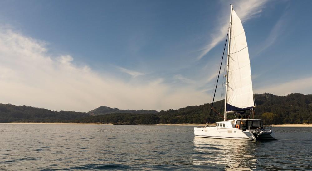 Rent a Lagoon Lagoon 440 Vigo