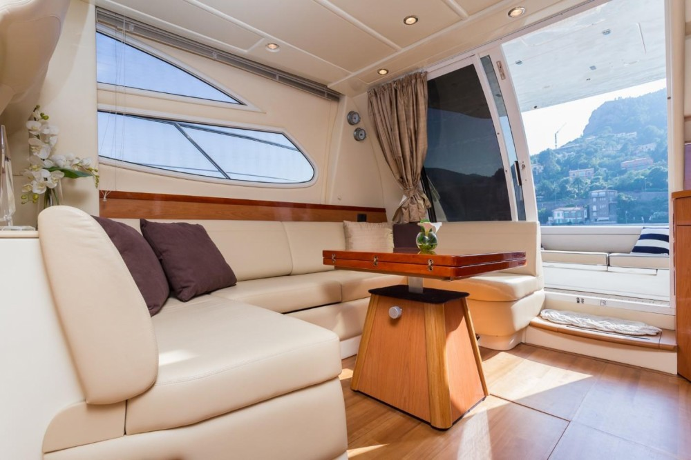 Rent a Sealine F425 Antibes