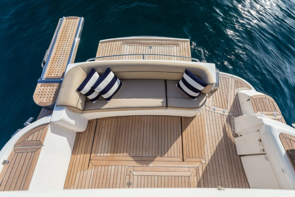 Sealine F425 between personal and professional Antibes