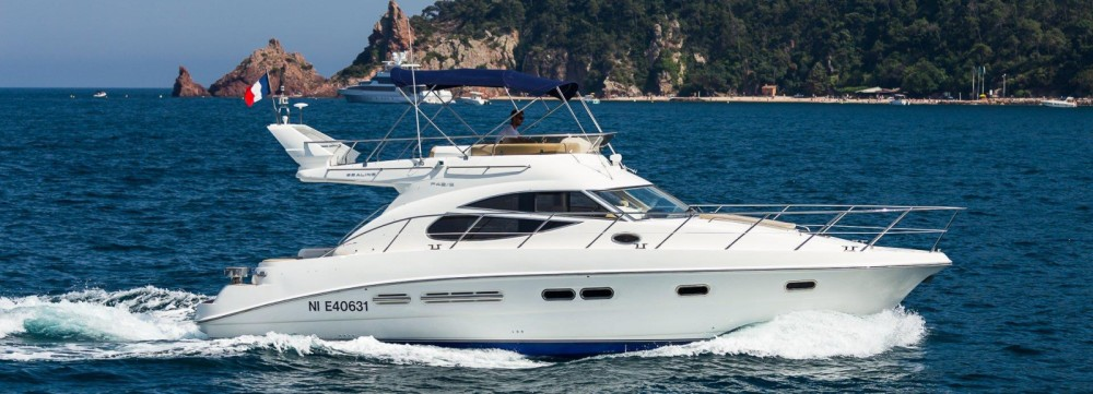 Hire Motorboat with or without skipper Sealine Antibes