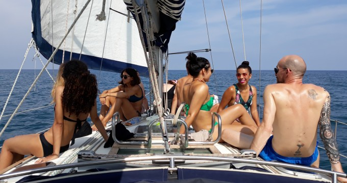 Rental yacht Port de Barcelona - Jeanneau Sun Odyssey 40 on SamBoat