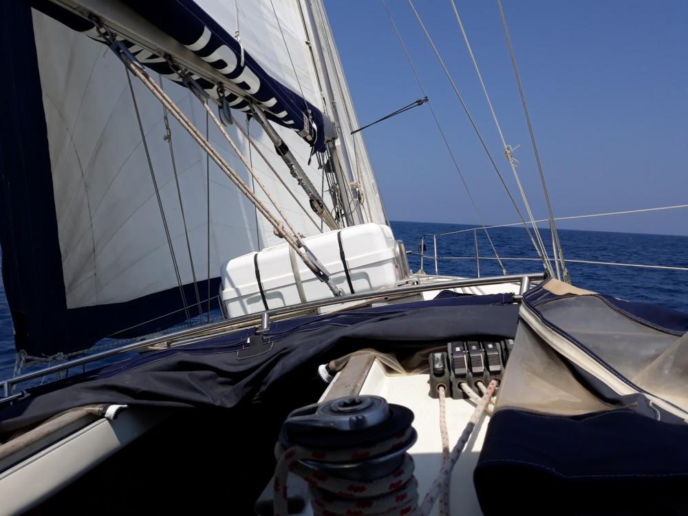 Rental Sailboat in Port Olímpic - Jeanneau Sun Odyssey 40