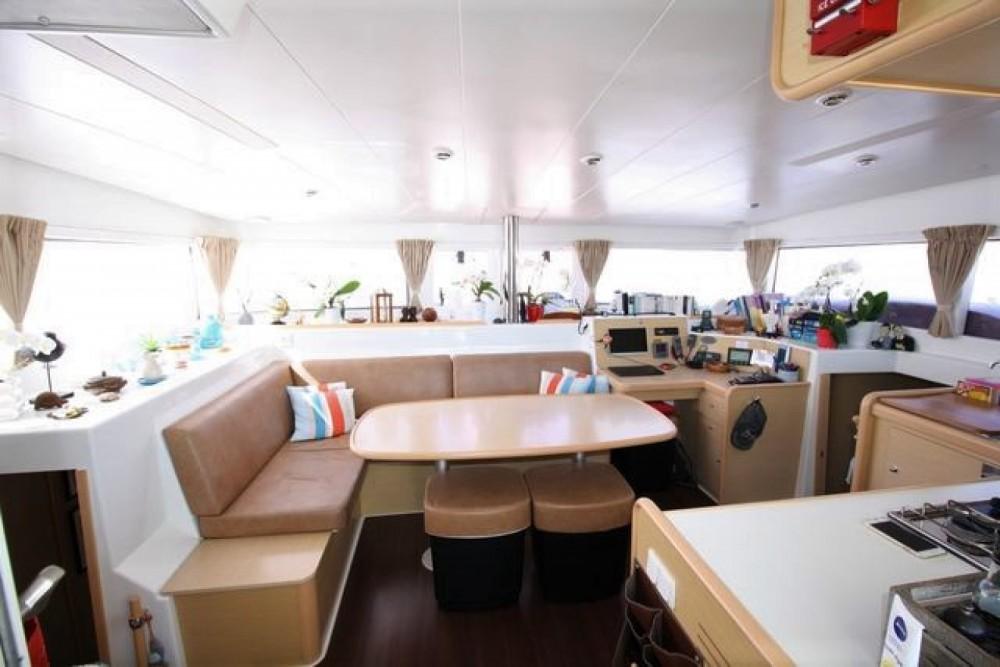 Rental yacht Hyères - Lagoon Lagoon 400 on SamBoat
