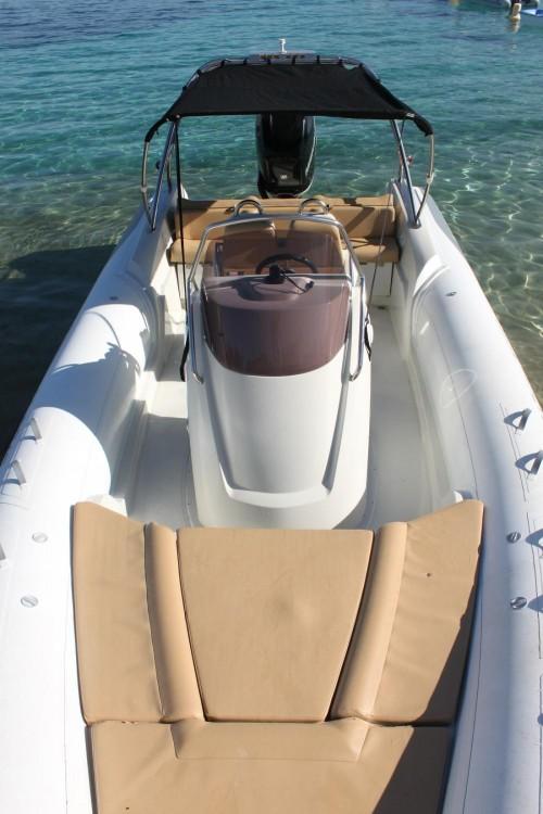 Rental yacht Pietrosella - Kardis Thunderbird 780 on SamBoat