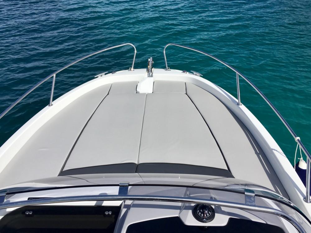 Rental yacht Antibes - Jeanneau Cap Camarat 6.5 WA Serie 3 on SamBoat