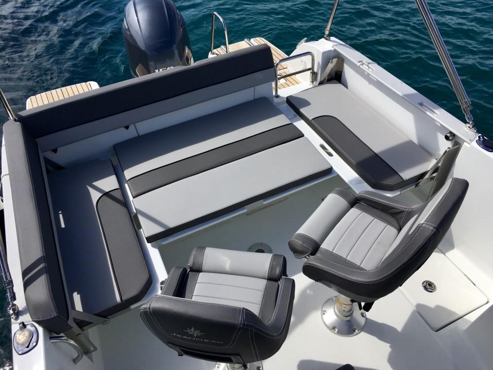 Rental Motorboat in Antibes - Jeanneau Cap Camarat 6.5 WA Serie 3