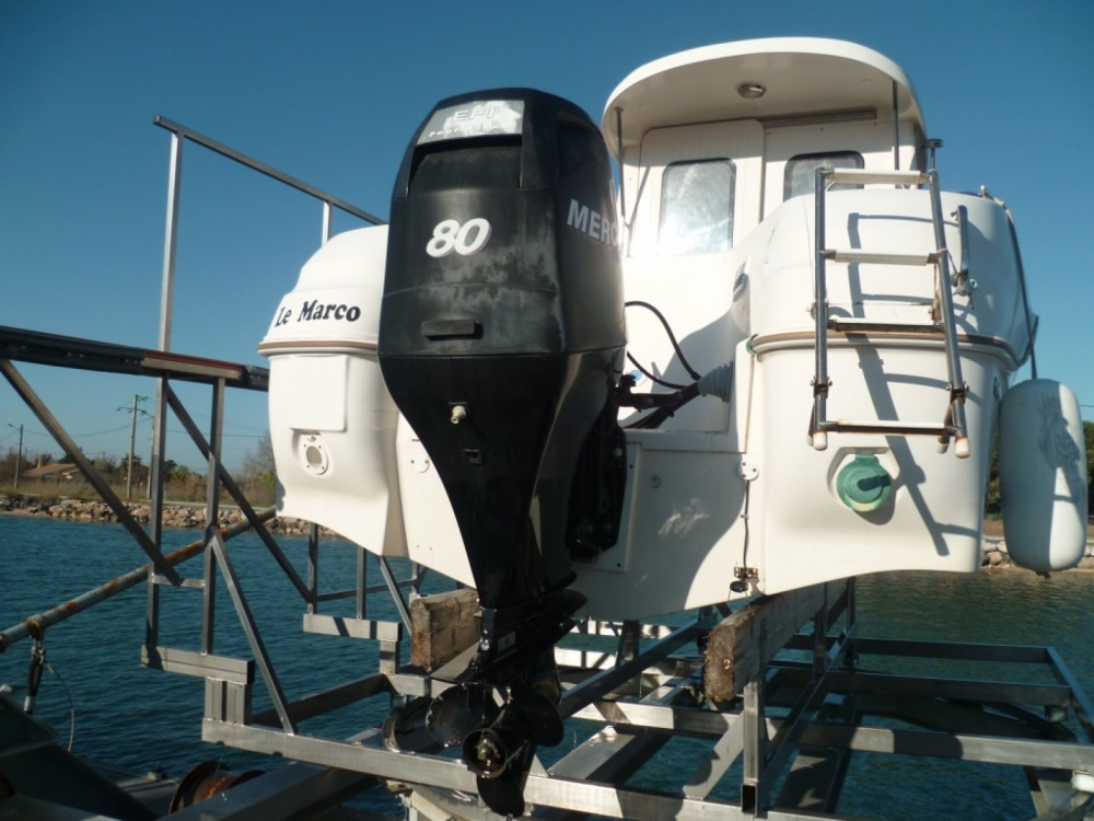 Quicksilver Quicksilver 580 Pilothouse between personal and professional Marseillan