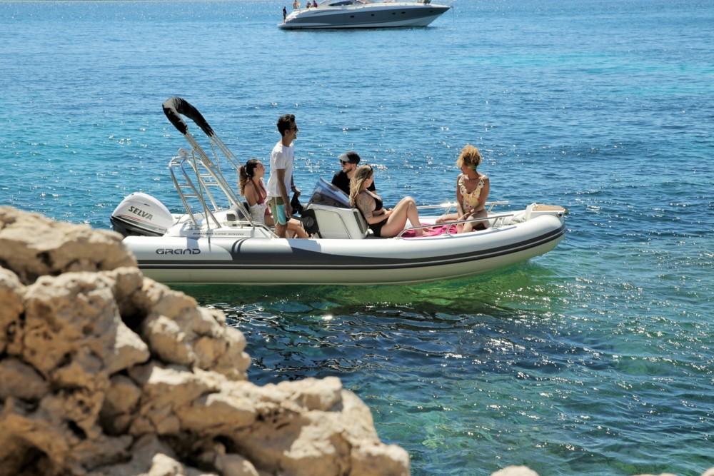 Boat rental Calvià cheap Golden Line G500