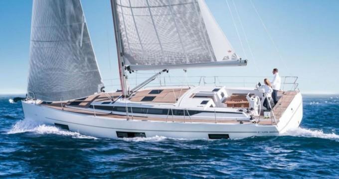 Hire Sailboat with or without skipper Bavaria Praia da Vitória