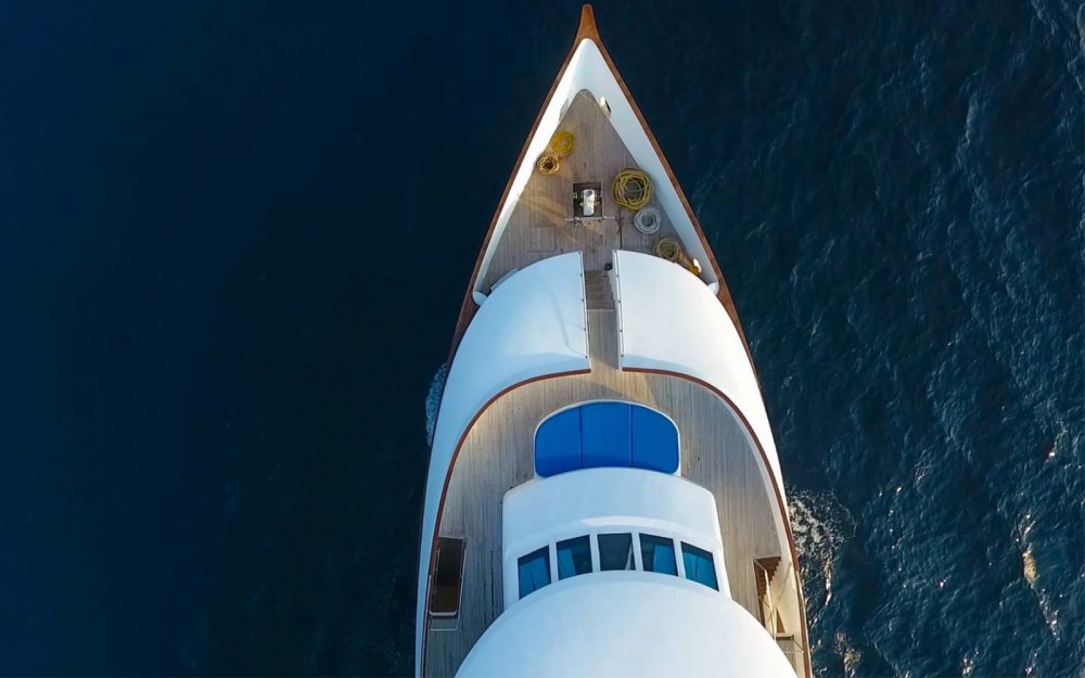 Boat rental Honors Legacy Custom made in Malé on Samboat