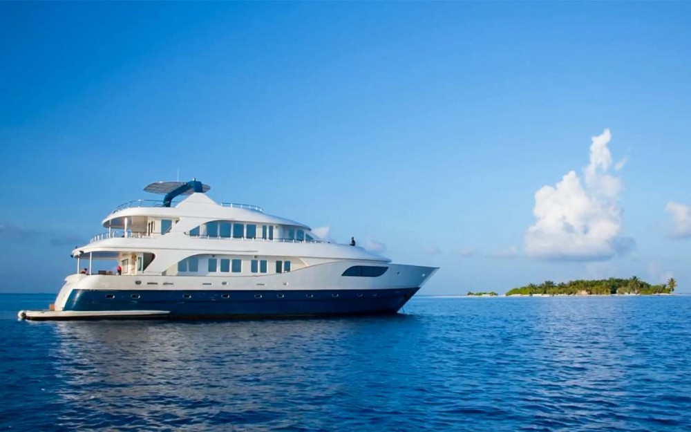Hire Yacht with or without skipper Honors Legacy Malé