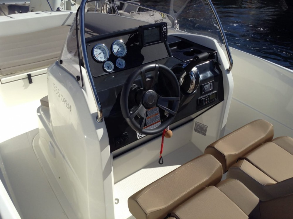 Rental Motorboat in Toulon - Quicksilver Activ 555 Open Edition Smart