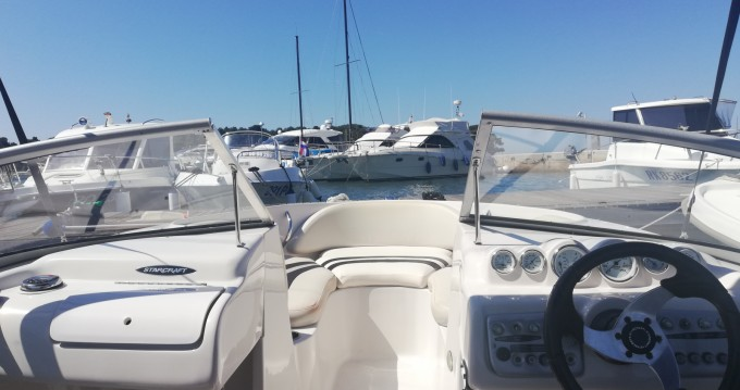 Motorboat for rent Poreč at the best price