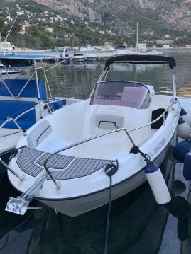 Motorboat for rent Èze at the best price