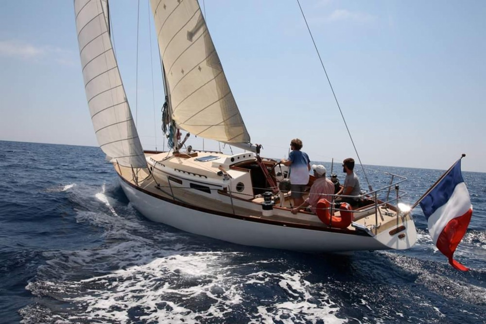 Hire Sailboat with or without skipper Bateau d'architecte Carter La Ciotat