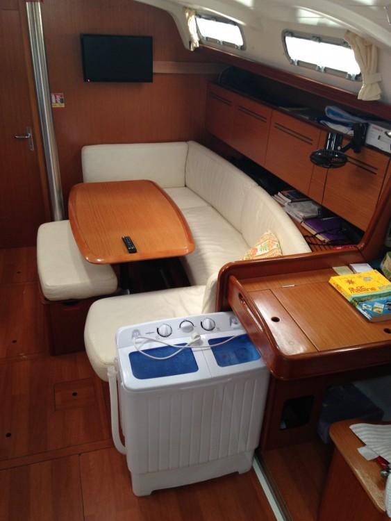 Rental yacht Cannes - Bénéteau Cyclades 43.3 on SamBoat