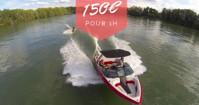 Boat rental Axis T22 in Virelade on Samboat