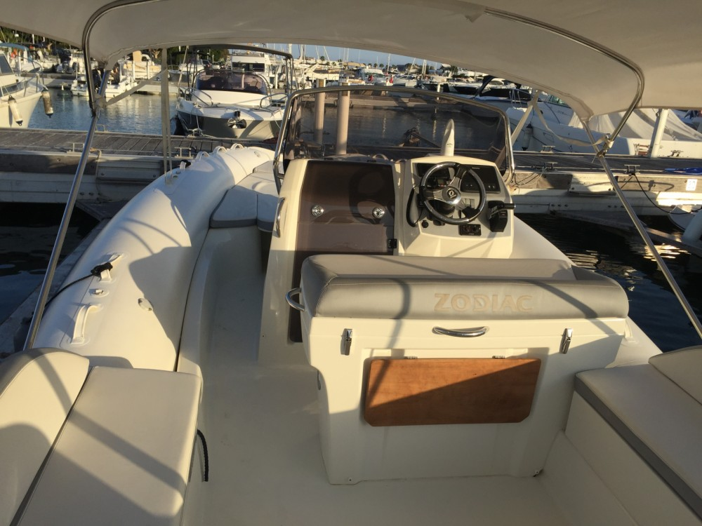 Zodiac NZ-O 760 between personal and professional Ibiza