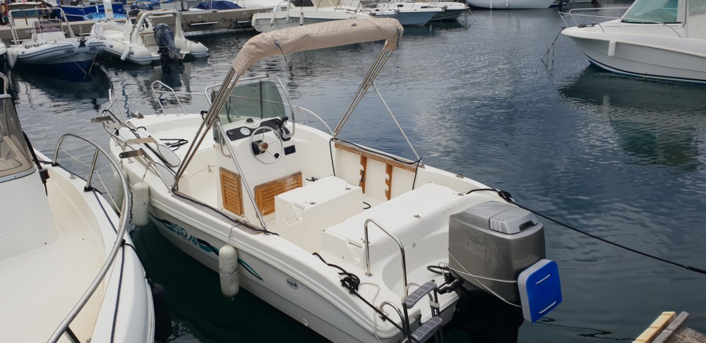 Boat rental Capelli Cap 18 in Cavalaire-sur-Mer on Samboat