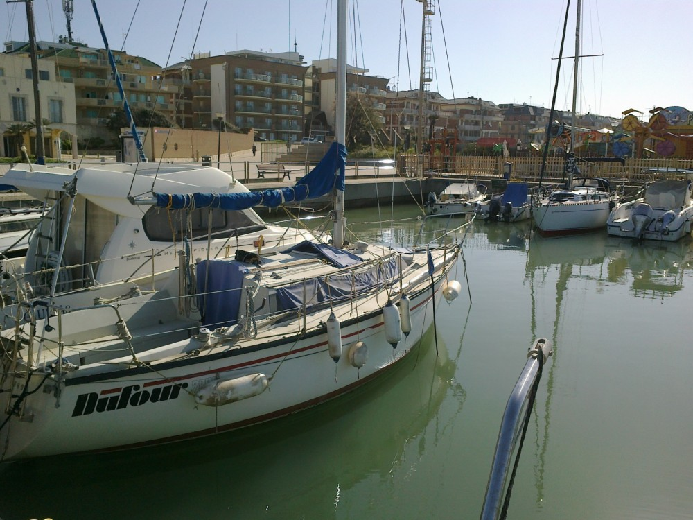 Rental yacht Lido di Ostia - Dufour Dufour 2800 on SamBoat