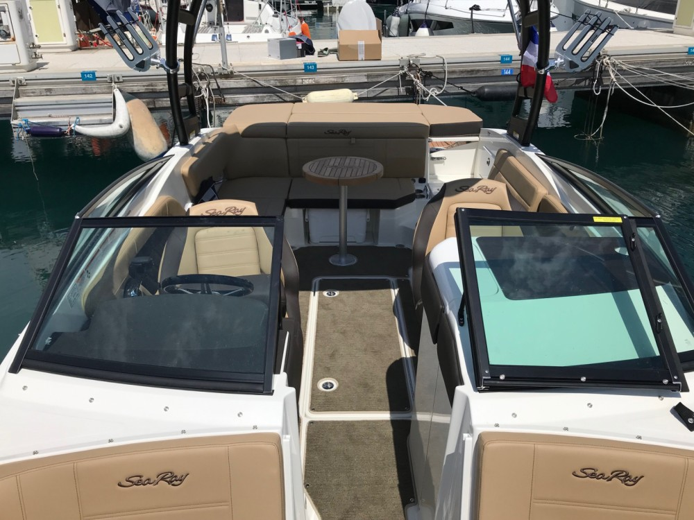 Hire Motor boat with or without skipper Sea Ray Antibes