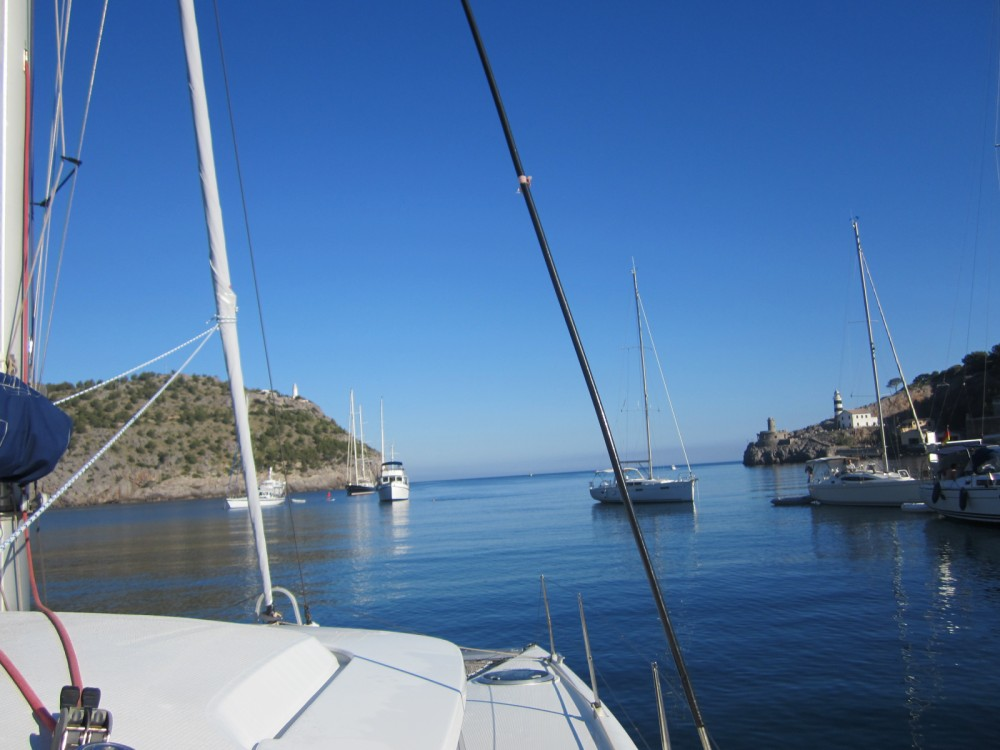 Rent a Fountaine Pajot Mahe 36 Gruissan