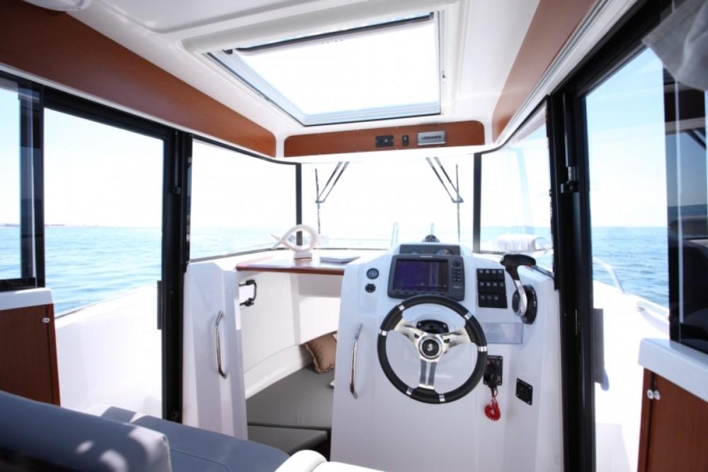 Rental Motorboat in Ajaccio - Bénéteau Barracuda 7