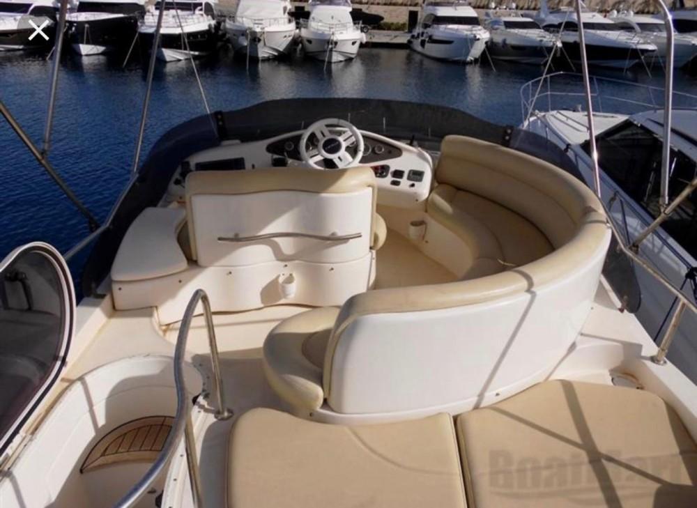 Rental yacht Alassio - Azimut Azimut 42 Fly on SamBoat