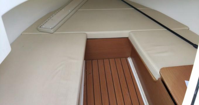 Rental Motorboat in Ayguade-Ceinturon - Jeanneau Cap camarat 6m35 WA