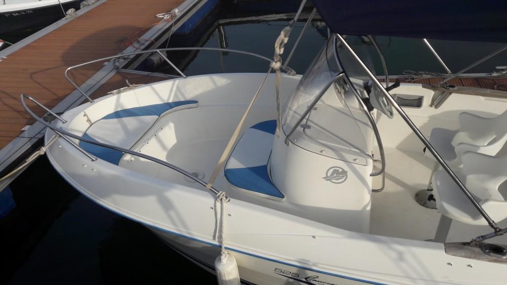Boat rental Quicksilver Quicksilver 525 Flamingo in Pontevedra on Samboat